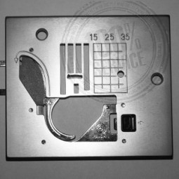 Plaque aiguille complète XA2112.0.01 - BROTHER Réf 47/74/1012